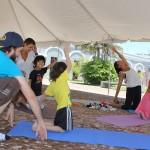 Yoga  familian,  martxoak  15,  16:45  kiroldegiko  sarreran